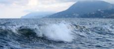 Шторм в Крыму - красивая волна