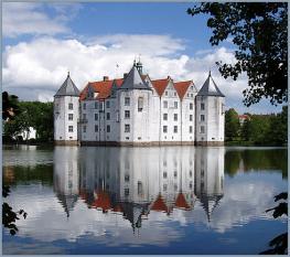 Замок Глюксбург - был летней резиденцией датских королей