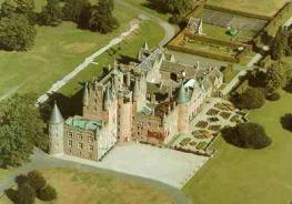 Замок Глэмис - Glamis Castle - когда-то был охотничьим домиком королей Шотландии
