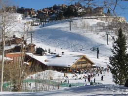 Дир-Вэлли (Deer Valley) - получил почётное звание лучшего горнолыжного курорта США
