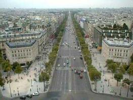 Париж: Площадь Звезды - здесь каждый год проходят парады
