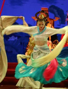 Украшения и аксессуары в китайском наниональном костюме