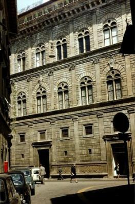 Палаццо Ручеллаи - Palazzo Rucellai — дворец эпохи Возрождения во Флоренции