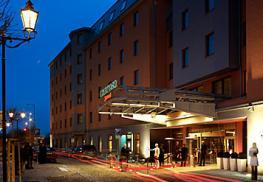 Отель Courtyard Pilsen