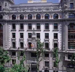 Отель NH Abascal