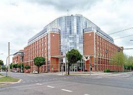 Отель NH Hotel Dresden