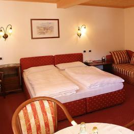Отель Anterleghes