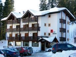 Отель Montana