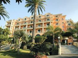 Отель Grand Hotel Royal