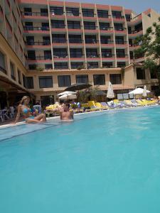 Отель Canifor Hotel