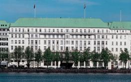 Отель Raffles Hotel Vier Jahreszeiten