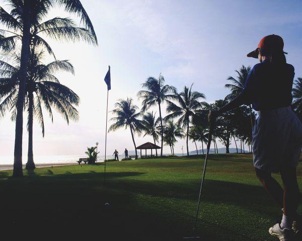 Shangri-la-s Tanjung Aru Resort отель - поле для гольфа