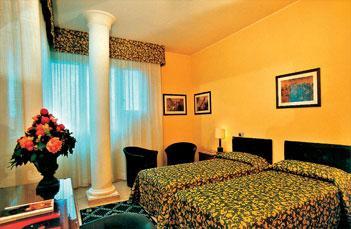 Пезаро Отель Savoy - фото