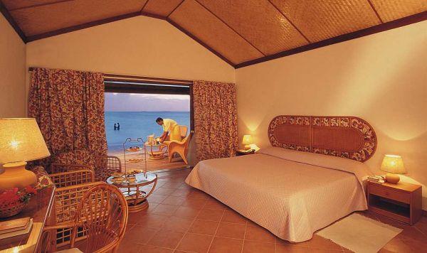 Мальдивы: Отель Athuruga Island Resort