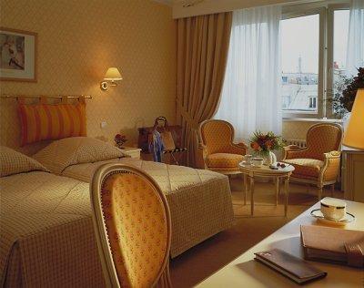 Париж - Отель Best Western Etoile St. Honore