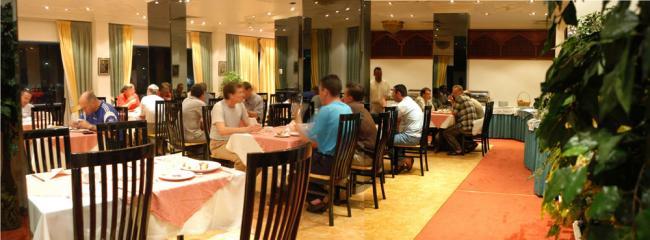 Шарджа - Отель Al Bustan