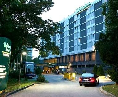 Мюнхен - Отель HOLIDAY INN MUNICH