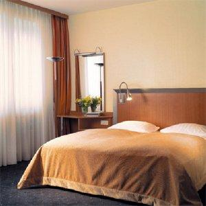 Мюнхен - Отель NH Deutscher Kaiser
