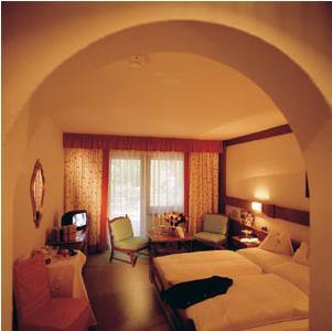 Санкт-Антон - Отель Tyrol - фото