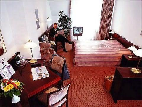 Франкфурт - MERCURE HOTEL & RESIDENZ FRANKFURT MESSE
