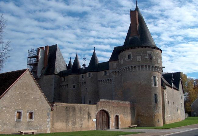 Замок Фужер-сюр-Бьевр - (Chateau de Fougeres-sur-Bievre) - фото