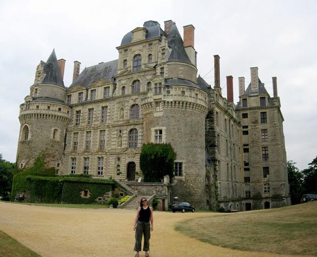 Замок Бриссак - (Chateau de Brissac) - фото