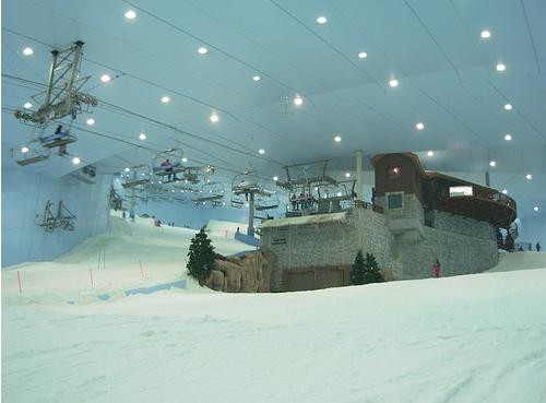 крытый горнолыжный стадион в Дубай - фото