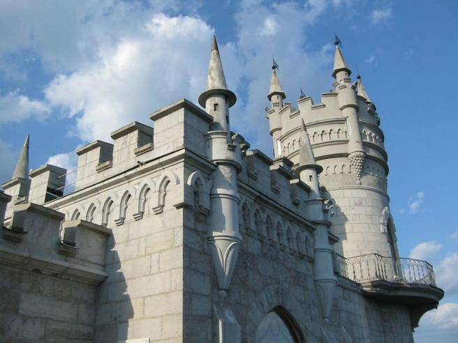 Ласточкино гнездо - вид на замок