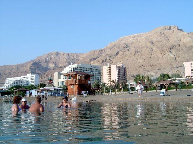 Курорт Эйн-Бокек на Мертвом море - фото