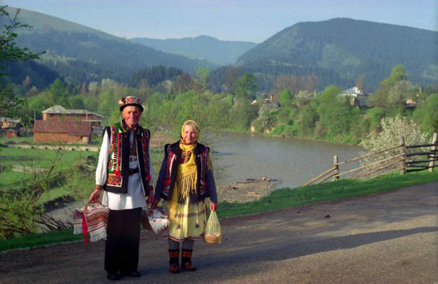 Гуцулы - национальная одежда - фото