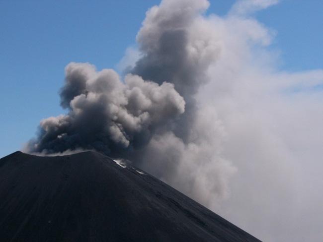 Камчатка - вулкан - фото