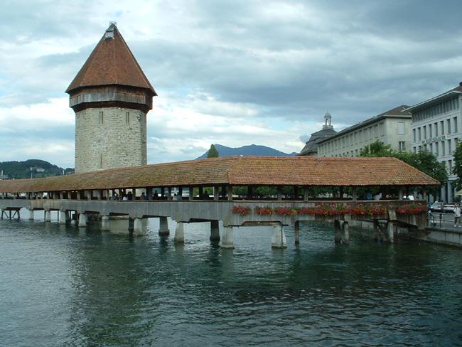 Люцерн - город Швейцарии - фото personal.umich.edu