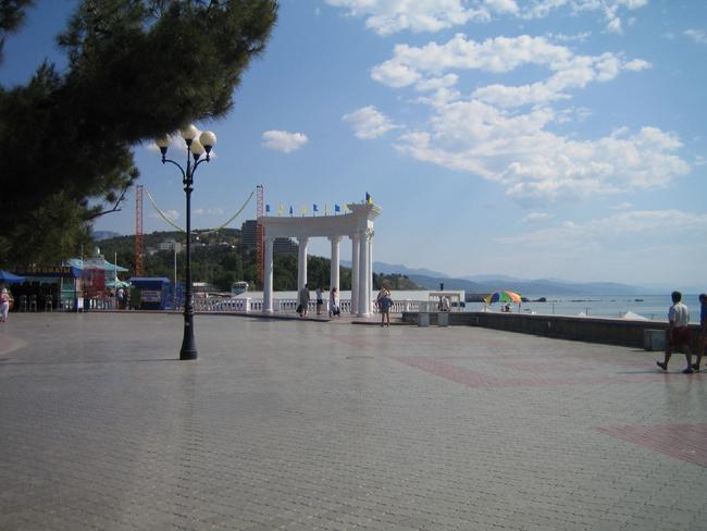 Алушта - набережная, морские ворота