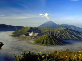 Индонезия: вулканы островов