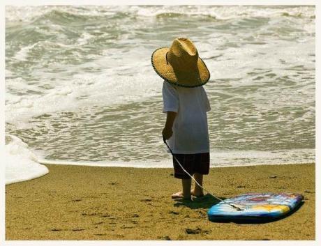 Юный серфингист :)