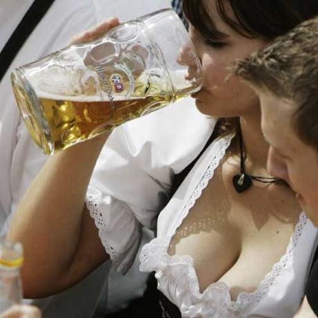 Пить или смотреть ... вот в чем вопрос .... :)