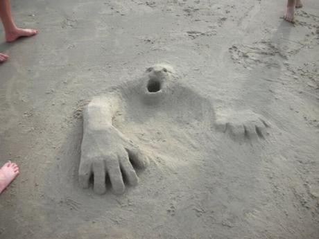 Пляжное творчество