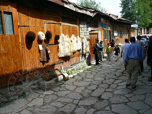 Шапки, одежда из Азербайджана