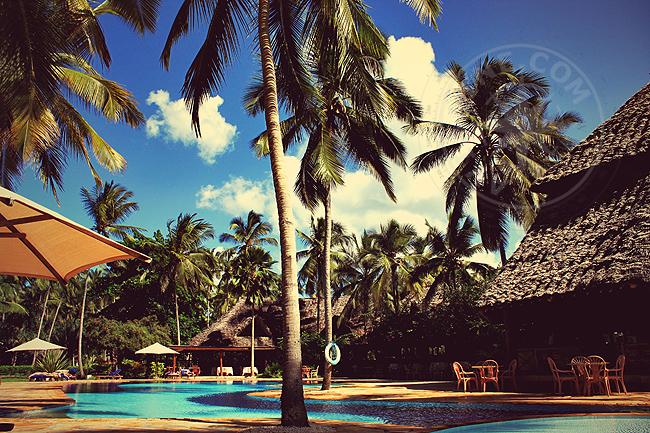 Занзидар - отель Bluebay beach resort