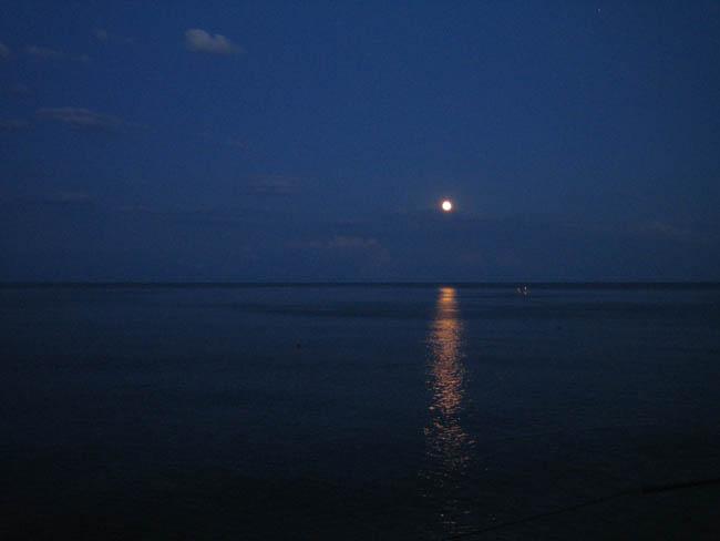 Крым - южный берег - лунная дорожка - полнолуние