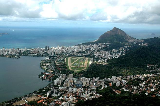 Рио-де-Жанейро - вид на город с всоты