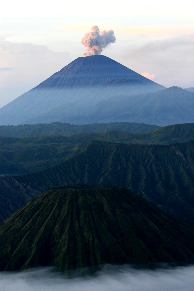 Остров Ява, горы, вулканы, фото
