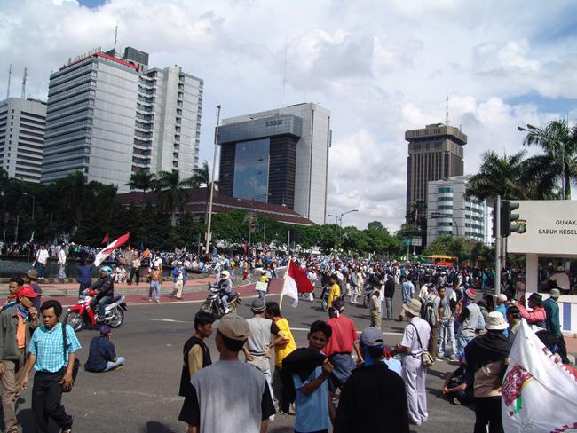 Джакарта - Индонезия, демонстрация, фото flickr.com