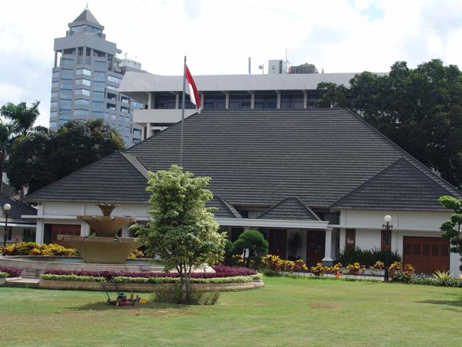 Джакарта, здания вооруженных сил, фото flickr.com