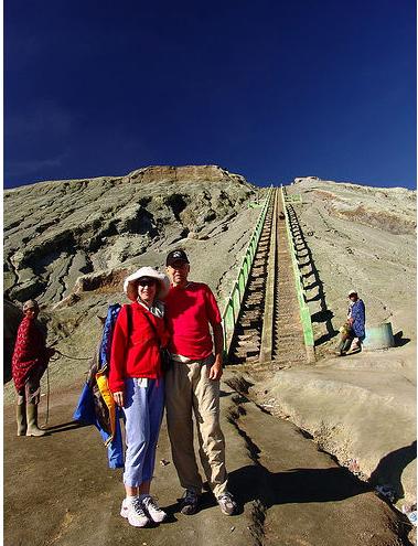 Подъем на обзорную площадку гор Бромо, фото