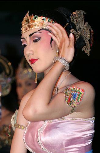 Национальный костюм В Индонезии, фото