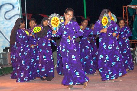 Мальдивы - национальная одежда - фото flickr.com
