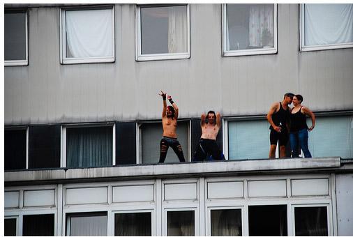 Девушки с голой грудью тоже на - Берлин - Парад Любви - фото flickr.com