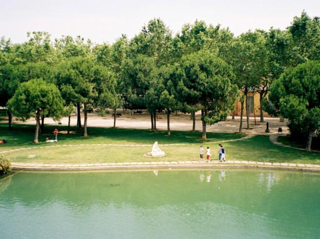Испания Барселона парк фото
