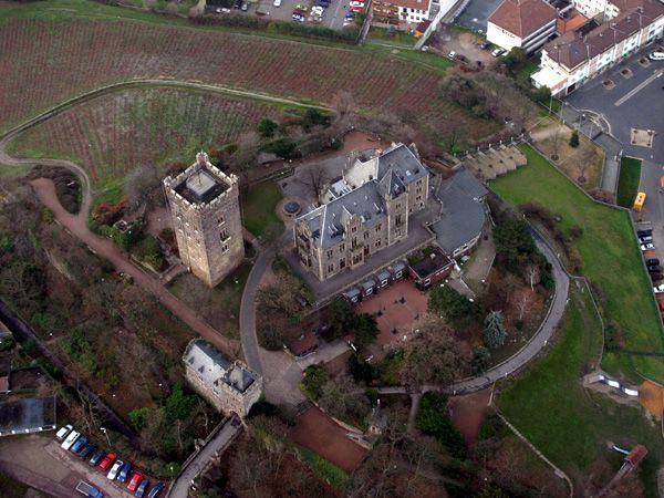 Замок Клопп - замок древнеримского происхождения - фото flickr.com
